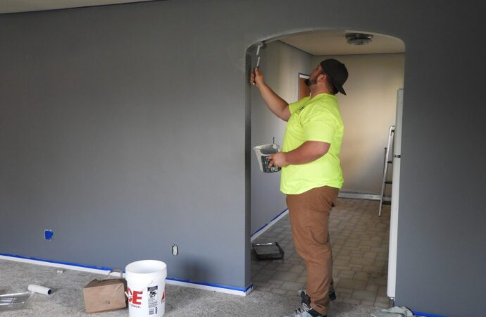 Midland TX Professional Painting Contractors Home Page Image-We offer Residential & Commercial Painting, Interior Painting, Exterior Painting, Primer Painting, Industrial Painting, Professional Painters, Institutional Painters, and more.
